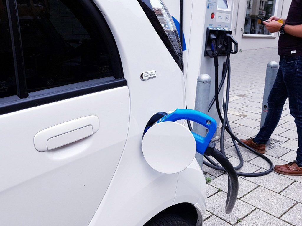 electric-car-2149057_1280_2
